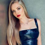 Amanda Seyfried bra size measurements
