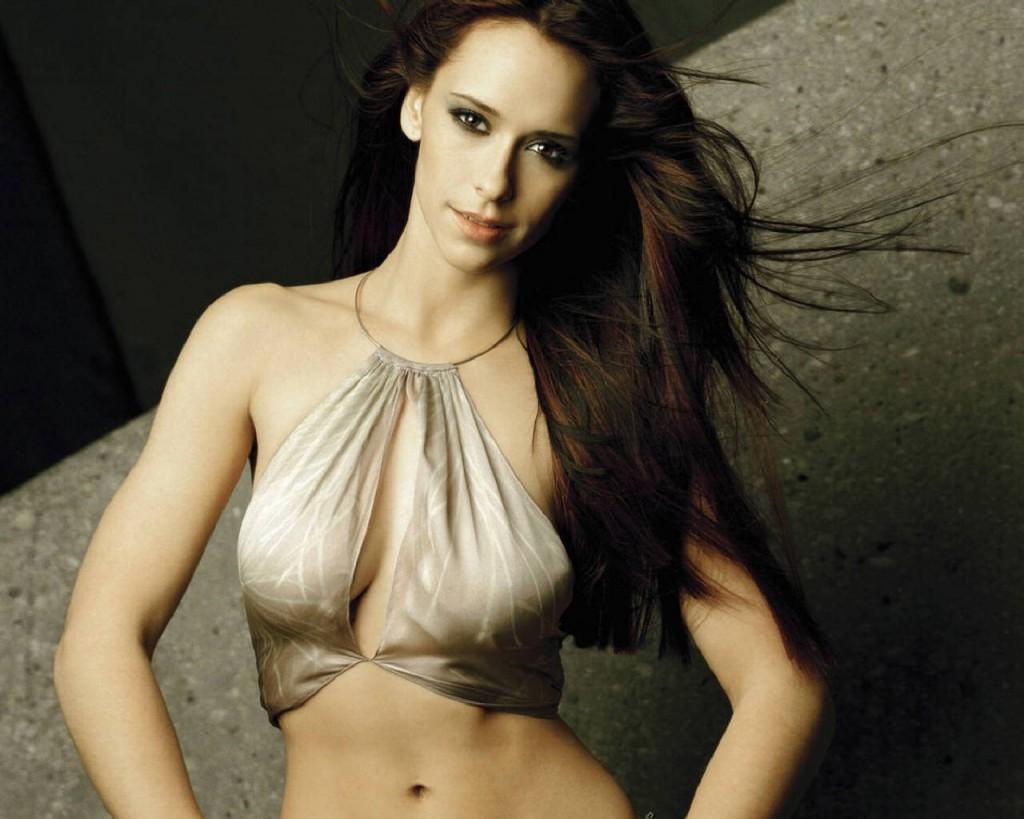 Jennifer Love Hewitt Bra Size