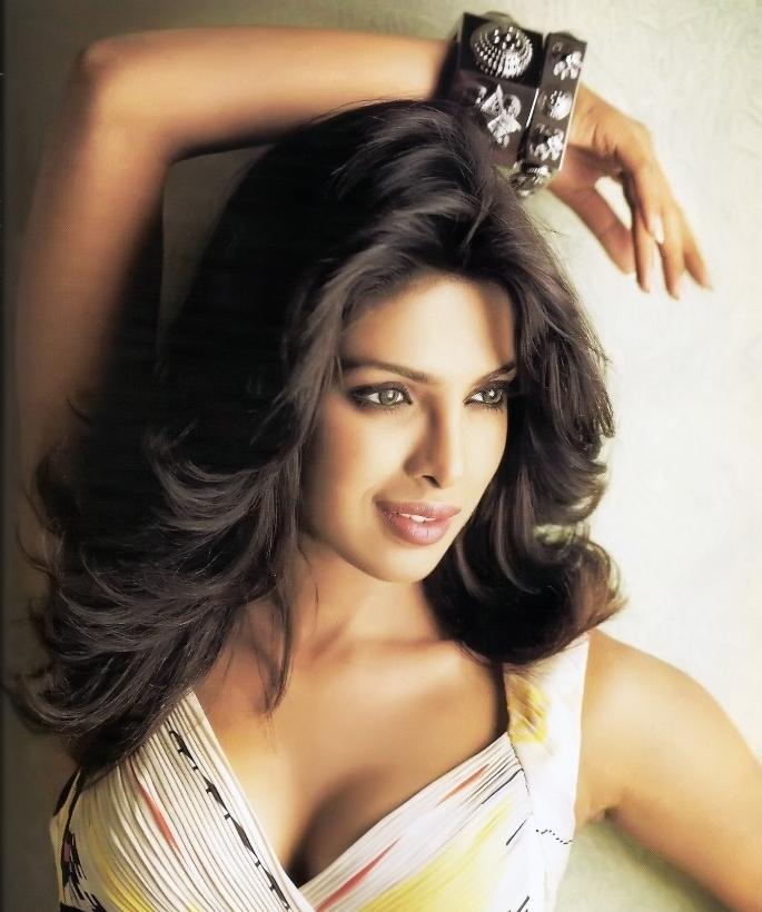 Priyanka Chopra Bra Size
