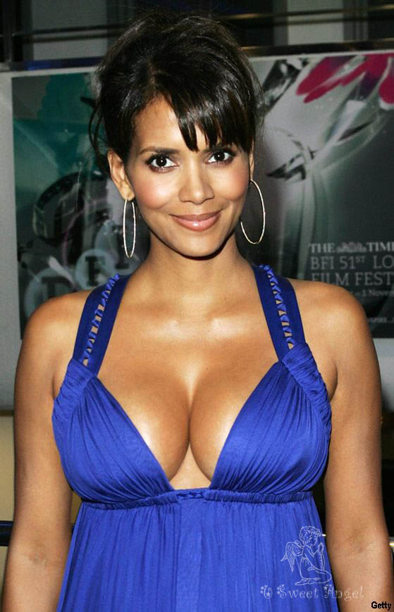 Halle Berry Bra Size, Height, Weight and Body Measurements Halle Berry