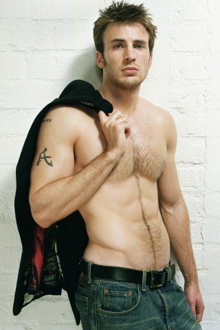 Chris Evans Chest and Biceps Size