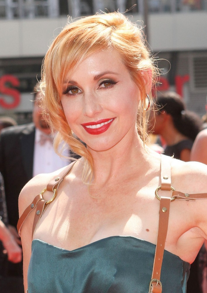 Kari Byron Bra Size, Height, Weight,Controversial and Body ...