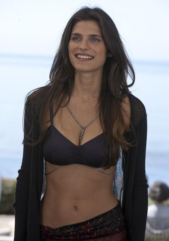 Lake Bell Bra Size, Height, Weight, Controversial and Body ...