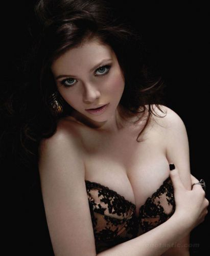 Michelle Trachtenberg Body Measurements And Net Worth