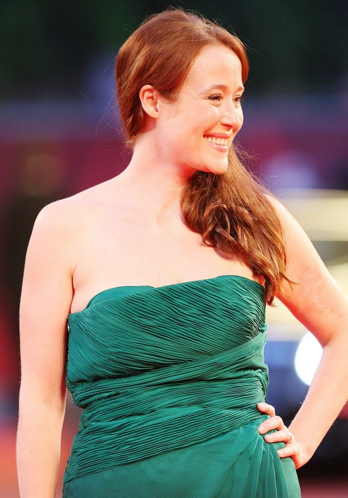 North American Moving >> Jennifer Ehle Body Measurements and Net Worth - Celebrity Bra Size, Body Measurements and ...