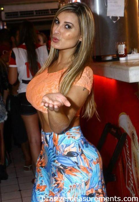 Andressa Urach Bra Size