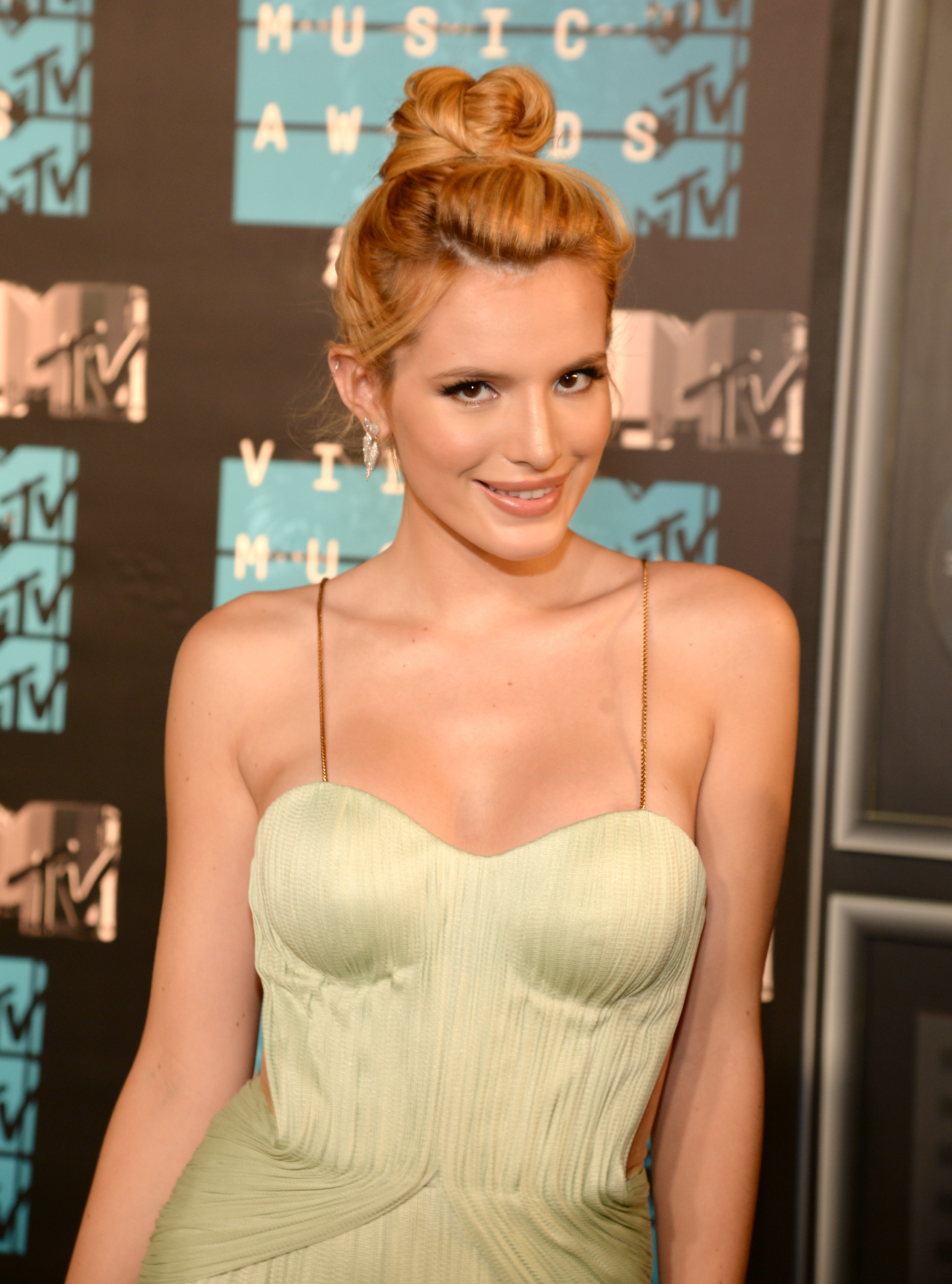 Bella thorne date of birth