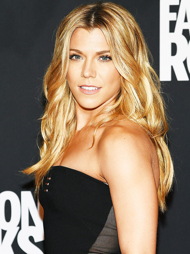 thebandperry_Kimberly Perry Bra Size And Measurements - Celebrity Bra Size, Body Measurements and ...