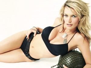 Natasha Henstridge Bra Size